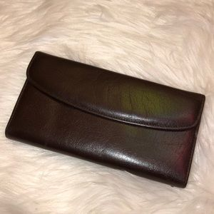Buxton New Leather Kiss Wallet
